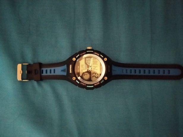 Кварцовий чоловічий годинник підійде для підлітка