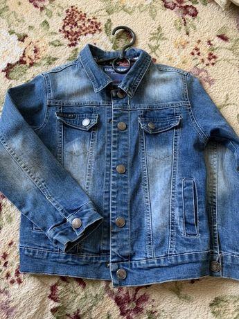Джинсовая куртка на мальчика