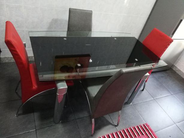 Fantástica mesa vidro + 4 cadeiras