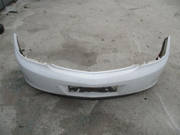 Opel Insignia zderzak tyłtyny z czujnikami parkowania Z40R kompletny