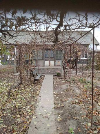 Продається будинок з ділянкою