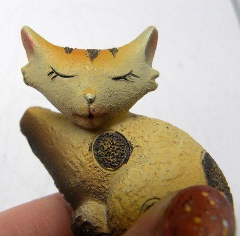 котик кот игрушка мини камень