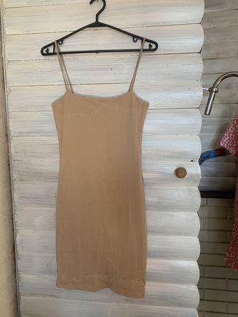 Платье бежевое коктейльное