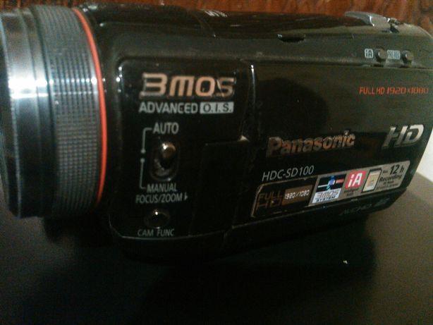 Продам відеокамеру Panasonic hdc-sd100