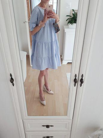 Niebieska sukienka Reserved rozkloszowana