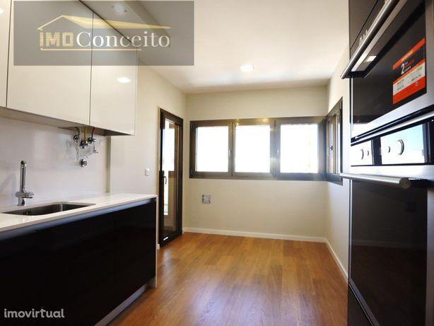 Apartamento T2 Novo. Garagem a venda em Tomar