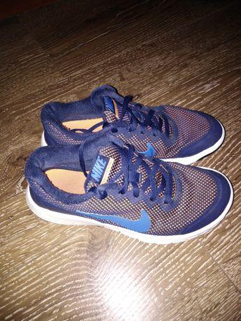 Продам кроссовки для мальчика Nike оригинал