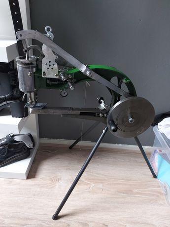 Maszyna do szycia obuwia i skory