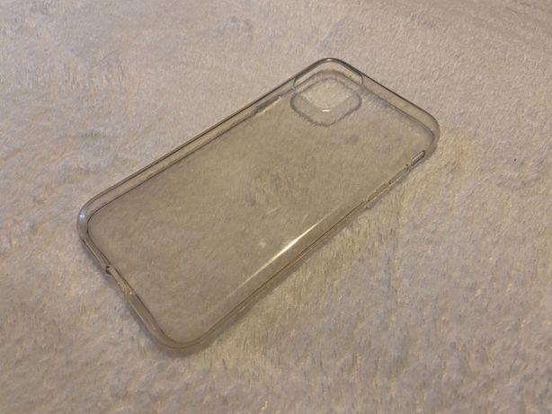 Capa silicone transparente iPhone 11 (Semi-nova)