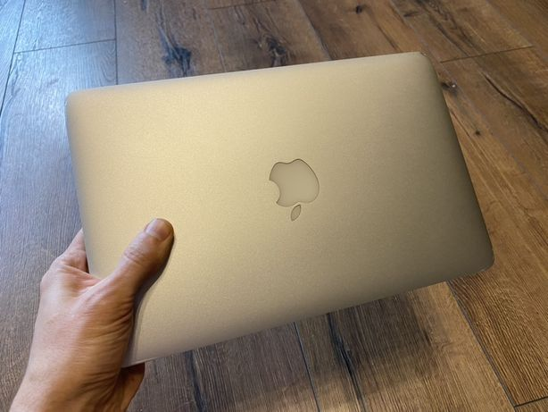 ноутбук MacBook Air 11 i5-1,7GHr/4GB/HD64GB 2012