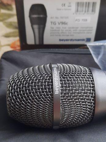 Конденсаторний вокальний мікрофон .
