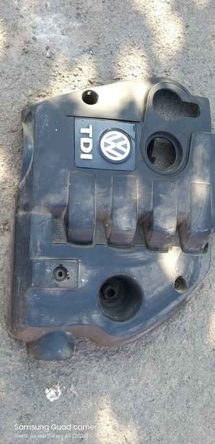 Коришка мотора пассат б5