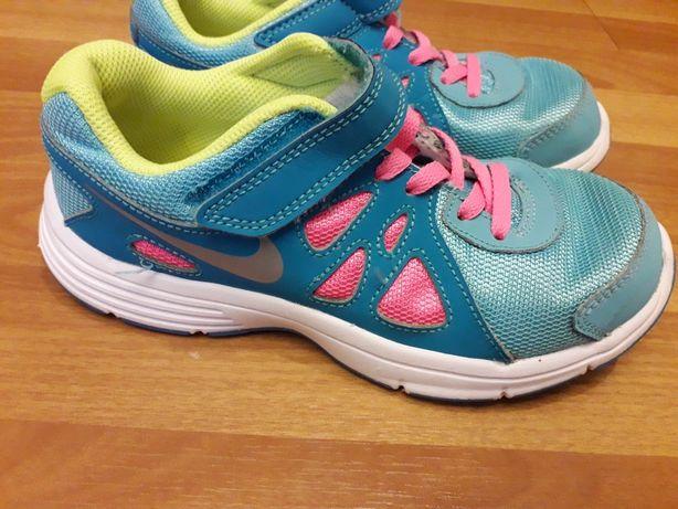 Кроссовки Nike для девочки