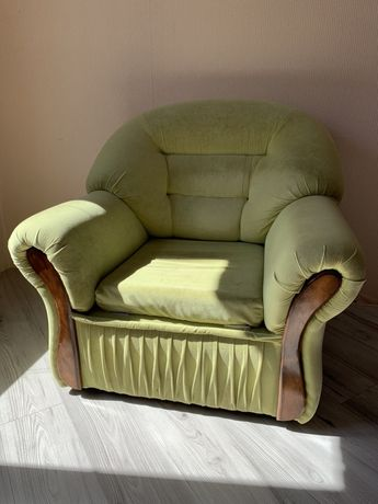 Продам кресло ( в наличии 2 шт)