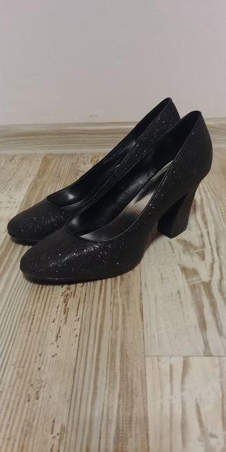 Buty czarne na słupku 41 czółenka szpilki
