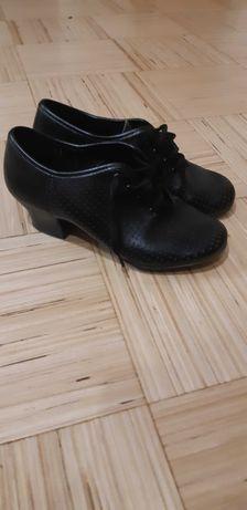 Продам детские бальные туфли