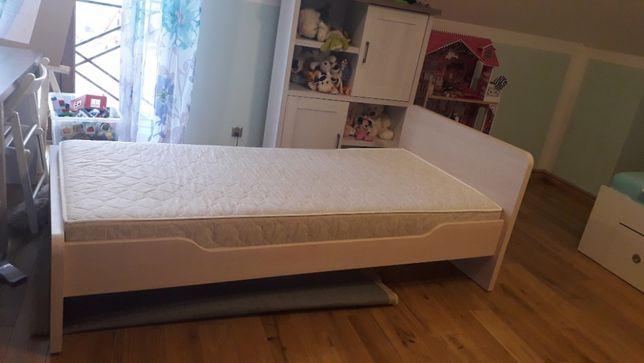 Łóżko z materacem BRW