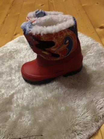 Сапоги теплі, червоного кольору ) нові