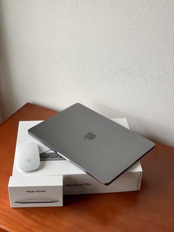 "Apple MacBook Pro 13"" (2018) + Magic Mouse 2"