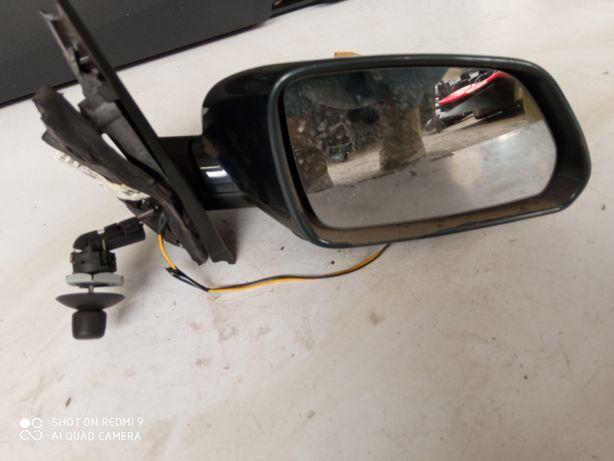 Lusterko manualne  prawe VW Polo 9N