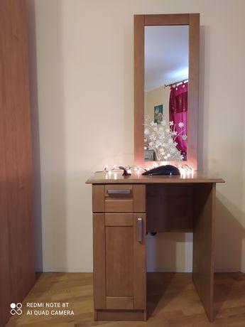 Дкеркало, туалетний столик