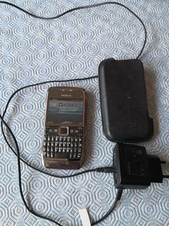Nokia E71 cizento desbloqueado e a funcionar. Com livro de Instruções