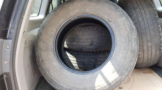 Продам комплект летней резины на авто Паджеро Спорт