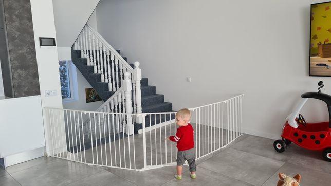Огорожа для дітей ( сходи, камін)