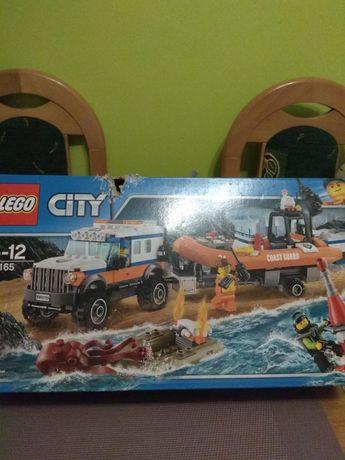 Klocki LEGO terenówka szybkiego reagowania.