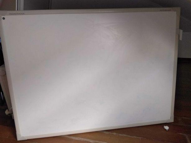 tela branca rectangular