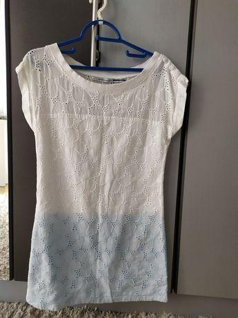 Sukienka na lato, koronkowa biało-niebieskie ombre STRADIVARIUS