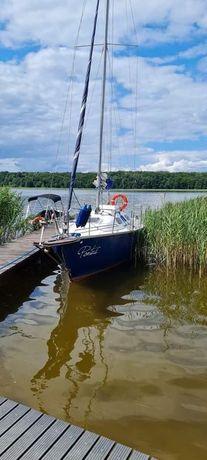 Czarter jachtu na Jezioraku Kurier