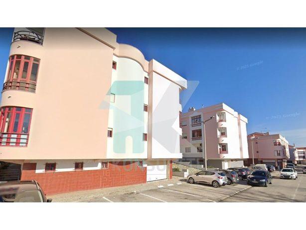 Apartamento T2 remodelado + arrecadação - Corroios