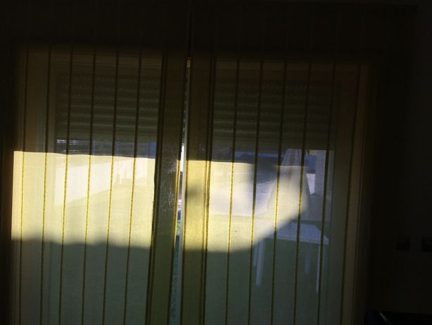 Cortinas janela sacada verde