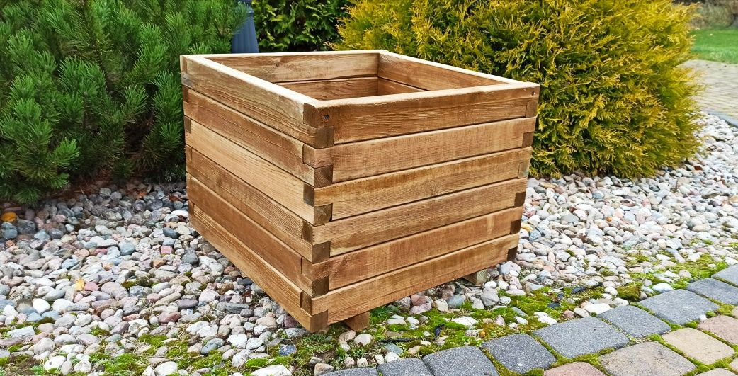 Donica drewniana skrzynia drewna 60x60 50x50 tuja iglaki tuje drzewka