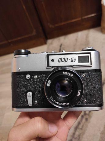 Radziecki aparat fotograficzny FED-5. Stan bardzo dobry.