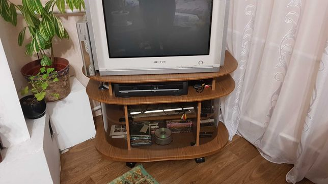 телевізор+тумбочка