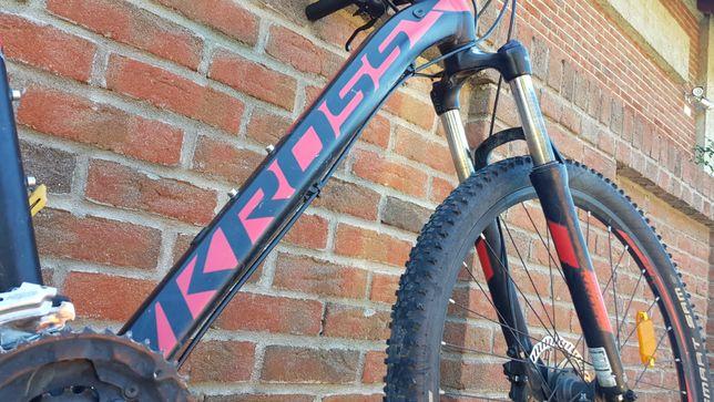 Rower Kross LEVEL R2 Rama M czerwono-czarny