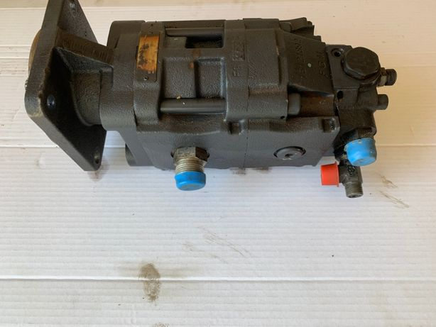 Pompa hydrauliczna Casappa New Holland LB 115 Case 695 Hitachi FB 200