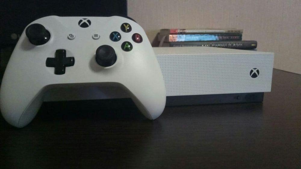 Xbox One S 1TB ( + 12 игр) Кривой Рог - изображение 1