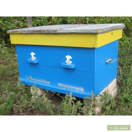 Улья - домики для пчел,подлежат  ремонту
