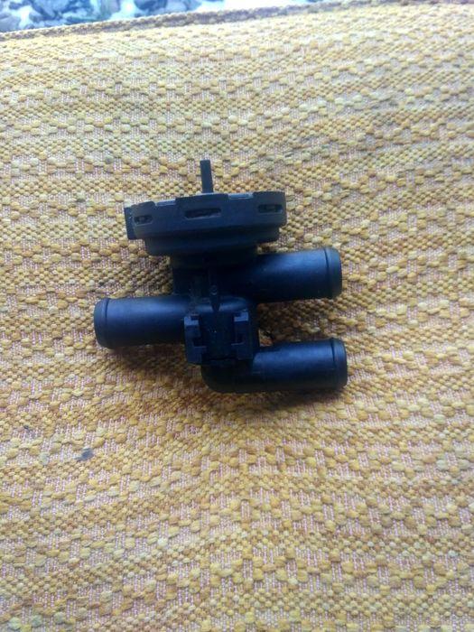 Zawór podciśnienia wody VW T5 VW Touareg Olszanica - image 1