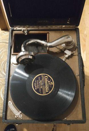 Gramofon walizkowy antyk