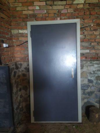 Продам вхідні двері
