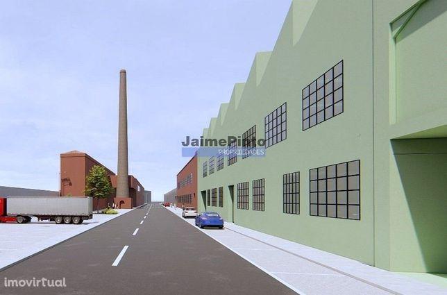 Edifício Industrial antigo 33 400 m2. Portugal, Famalicão, Riba dAve.