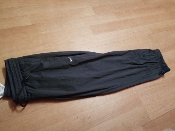 Spodnie dresowe 3/4 nike z metką
