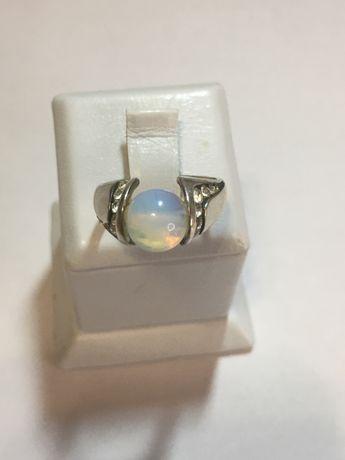 Продам очень красивое кольцо