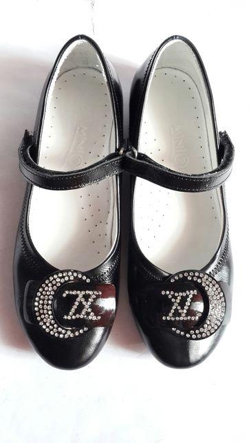 Туфли, туфельки на девочку Mini (Турция), р. 33 (стелька 22 см), б/у.