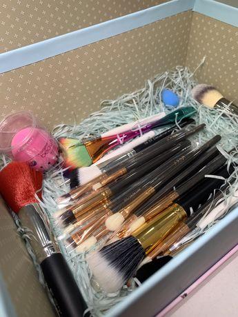 Кисти для макияжа набор из MAC, ZOEVA