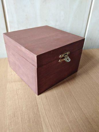 Szkatułka drewniana na biżuterię